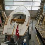 Ein neues GFK Regatta-Boot bereit für den ersten Test
